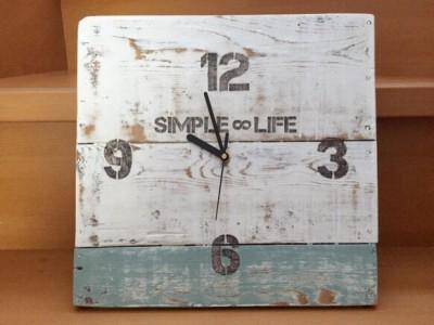 古材の掛け時計売れてます!